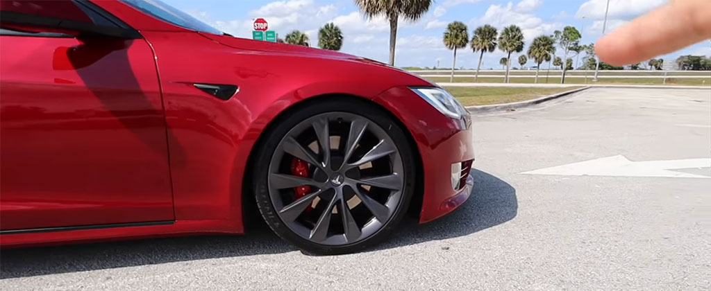 Tesla Model S Performance lowered front air-suspension that mimics the Cheetah Stance.