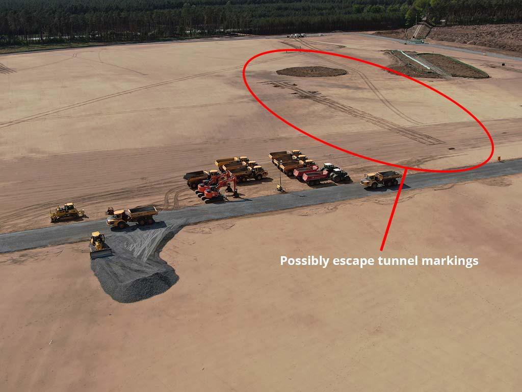 Tesla Gigafactory Berlin, rescue tunnel markings.