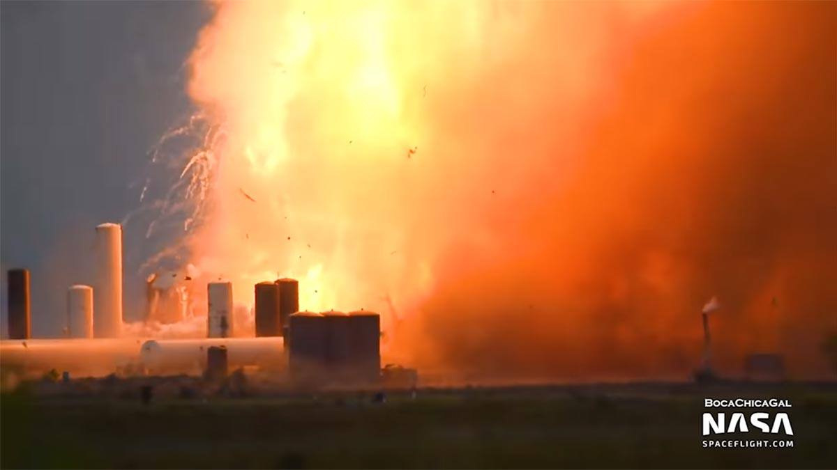 SpaceX Starship SN4 prototype explodes during testing.