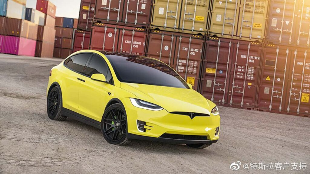 Yellow wrapped Tesla Model X posted by Tesla China on Weibo after starting the official Tesla wrap service.