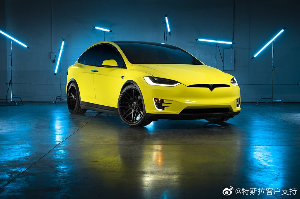 Yellow wrapped Tesla Model X posted by Tesla China on Weibo after starting the official Tesla wrap service (front view).