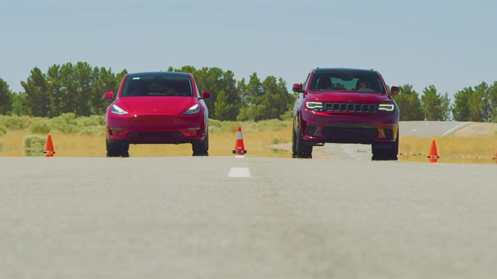 Tesla Model Y Performance vs. Jeep Grand Cherokee Trackhawk Drag Race (video).