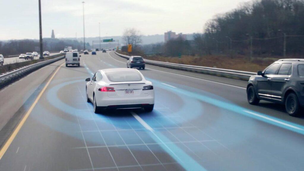 Visual representation of Tesla Autopilot's sensors and radar.