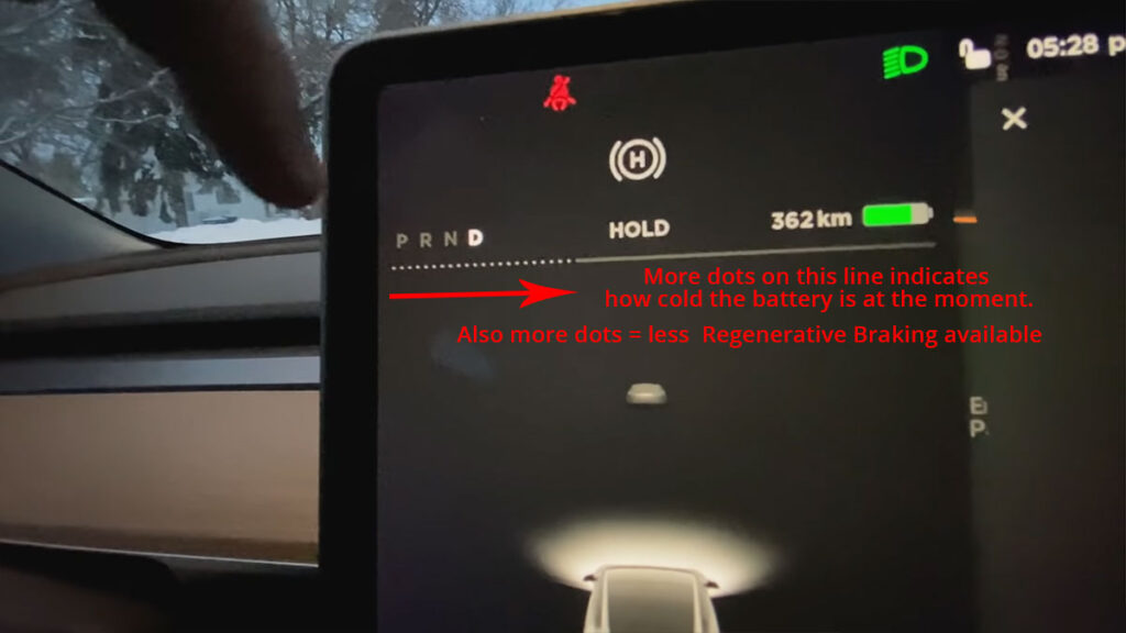 Dots and line indicator on the Tesla Model 3 / Model Y center touchscreen showing how cold the battery currently is and availability of regenerative braking.
