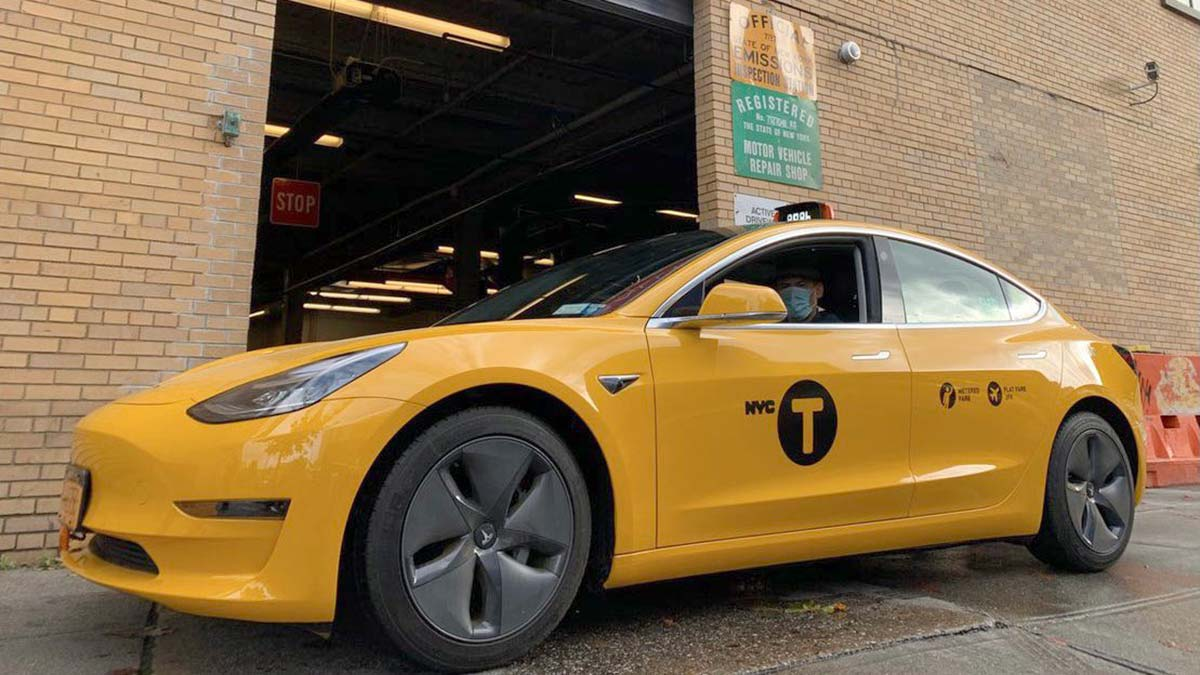 First Tesla Model 3 yellow cab in NYC.