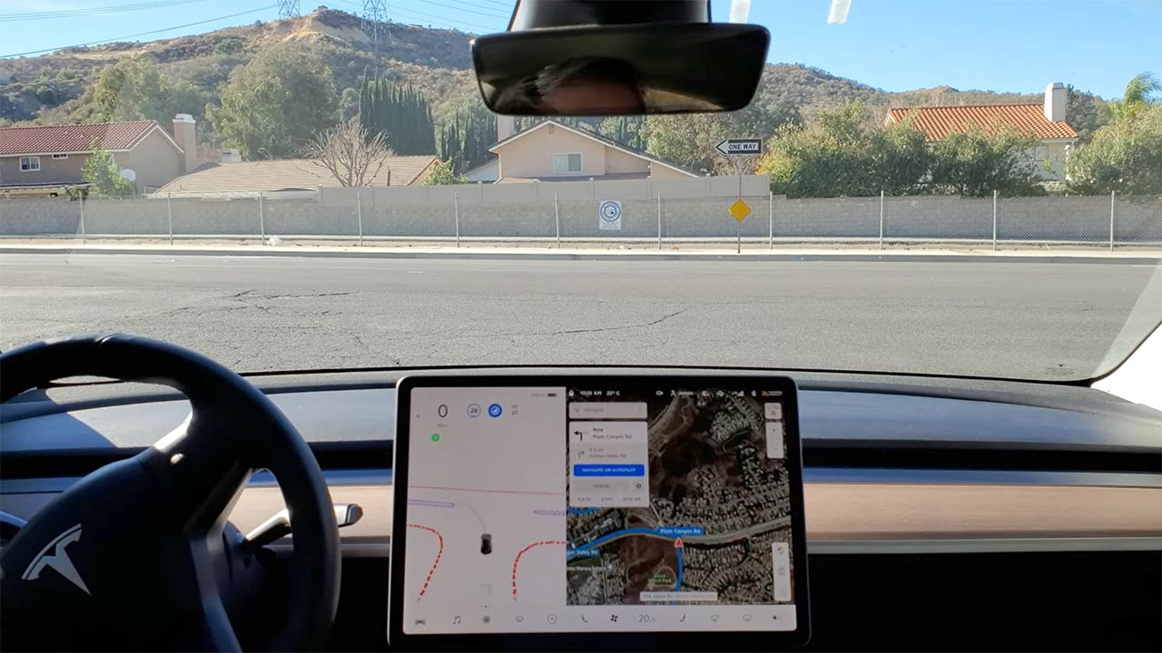 Watch how Tesla FSD Beta with update 48.35.1/Build 10 has improved at navigating city streets