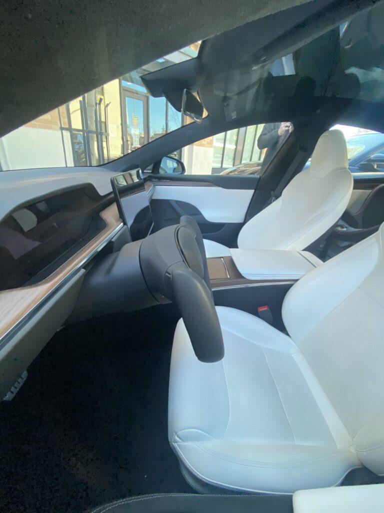 Tesla  Model S Yoke steering wheel (side view).