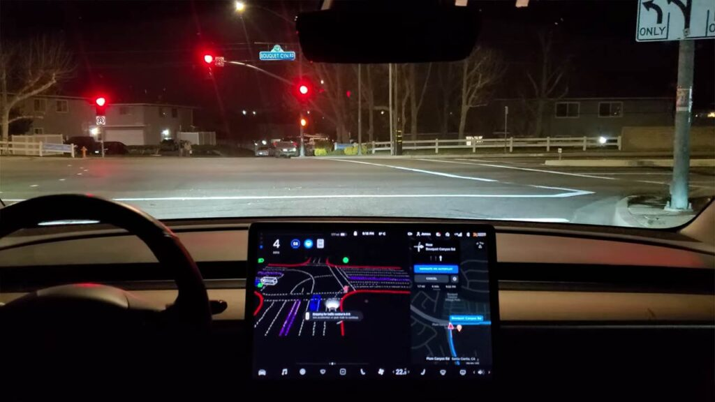 Tesla Autopilot FSD Beta 8.2 tested on city streets (videos in the article).