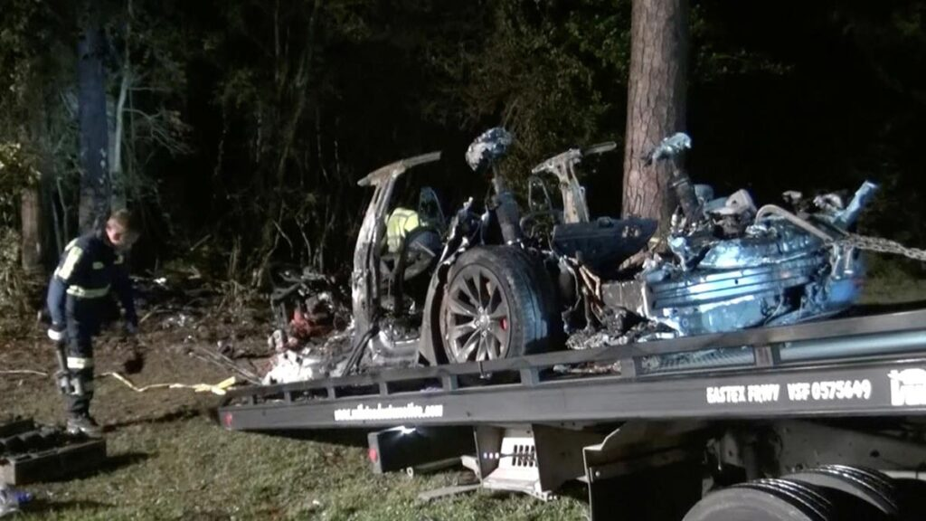 Crashed Tesla Model S being towed-away in Woodlands, TX.